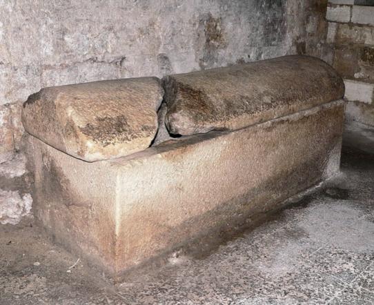 Il Sarcofago di Tulliano a Siponto - di Giacomo Telera